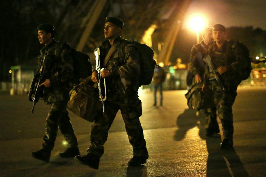 IDENTIFICIRAN JEDAN OD NAPADAČA U PARIZU, POLICIJA TRAŽI POMAGAČE