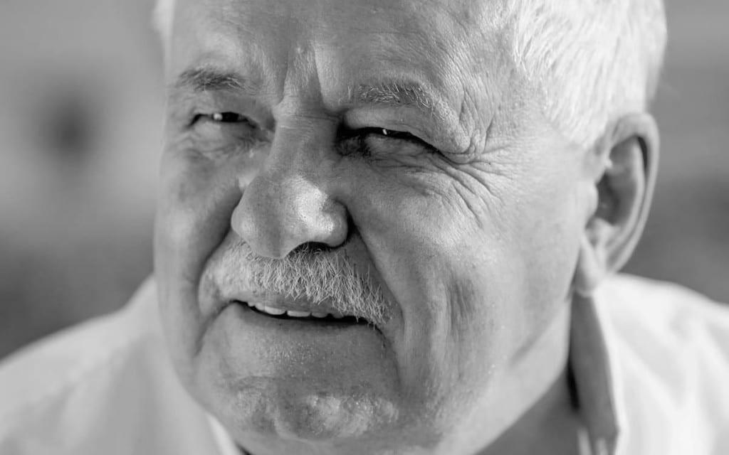 LÁSZLÓ VÉGEL: ELITE SU IZDALE MALOG ČOVEKA