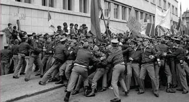 MIHÁJLOVITS KLÁRA: EZÚTTAL NEM JOGHURTBAN FULLAD A DEMOKRÁCIA