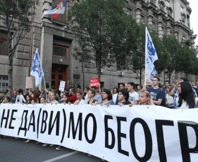 VIŠE OD 20.000 GRAĐANA U PROTESTNOJ ŠETNJI U BEOGRADU