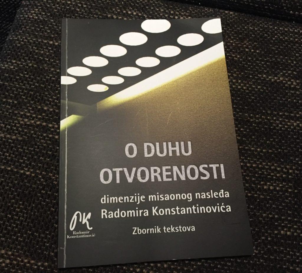 """GRADSKA BIBLIOTEKA: PREDSTAVLJANJE ZBORNIKA """"O DUHU OTVORENOSTI"""" RADOMIRA KONSTANTINOVIĆA"""