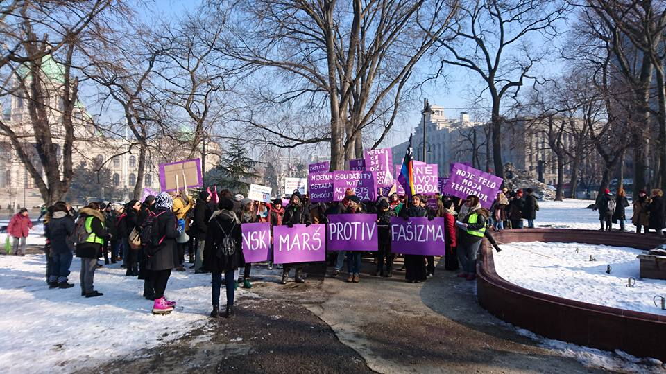WASHINGTON: 500.000 LJUDI NA PROTESTIMA PROTIV TRAMPA, PRIDRUŽILI SE I ANTIFAŠISTI IZ SRBIJE