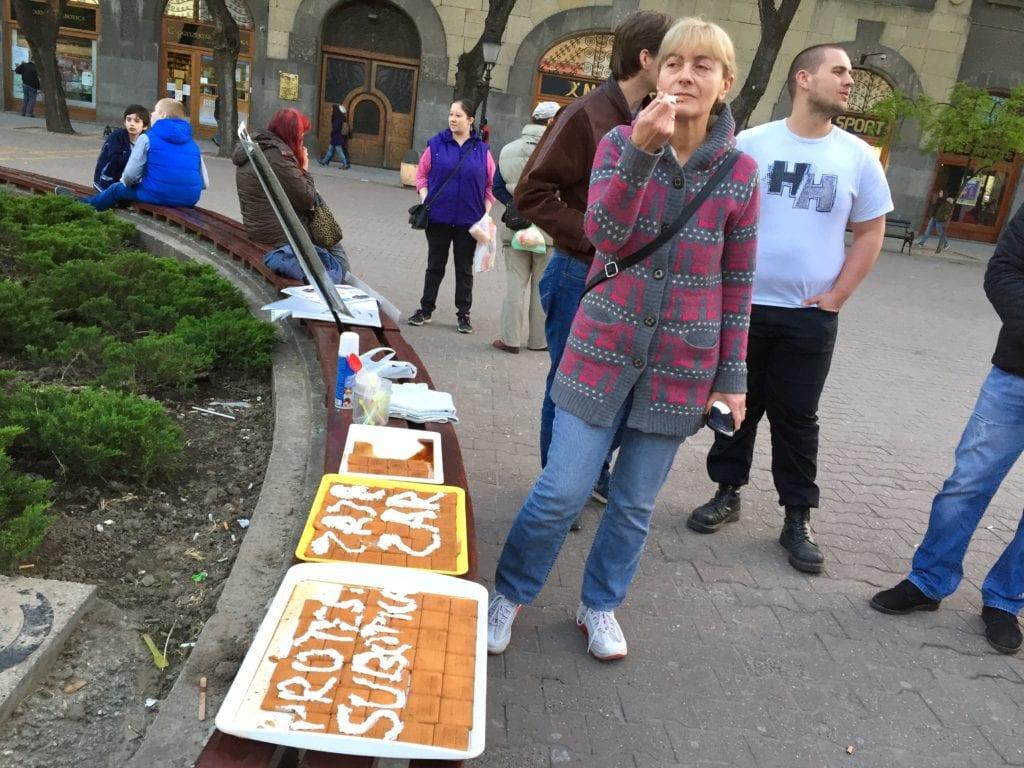 PROTEST U SUBOTICI: DANAS KOLAČI, A U ČETVRTAK KONCERT GRAĐANA NA TRGU