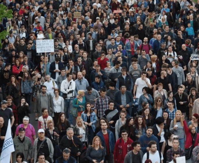 PROTIV DIKTATURE U BEOGRADU I NOVOM SADU, PROTESTI SE NASTAVLJAJU