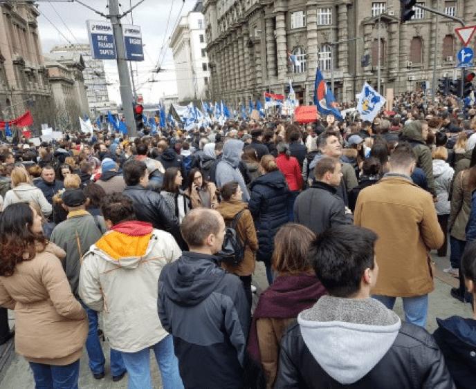 POČEO PROTEST VOJSKE, POLICIJE I STUDENATA