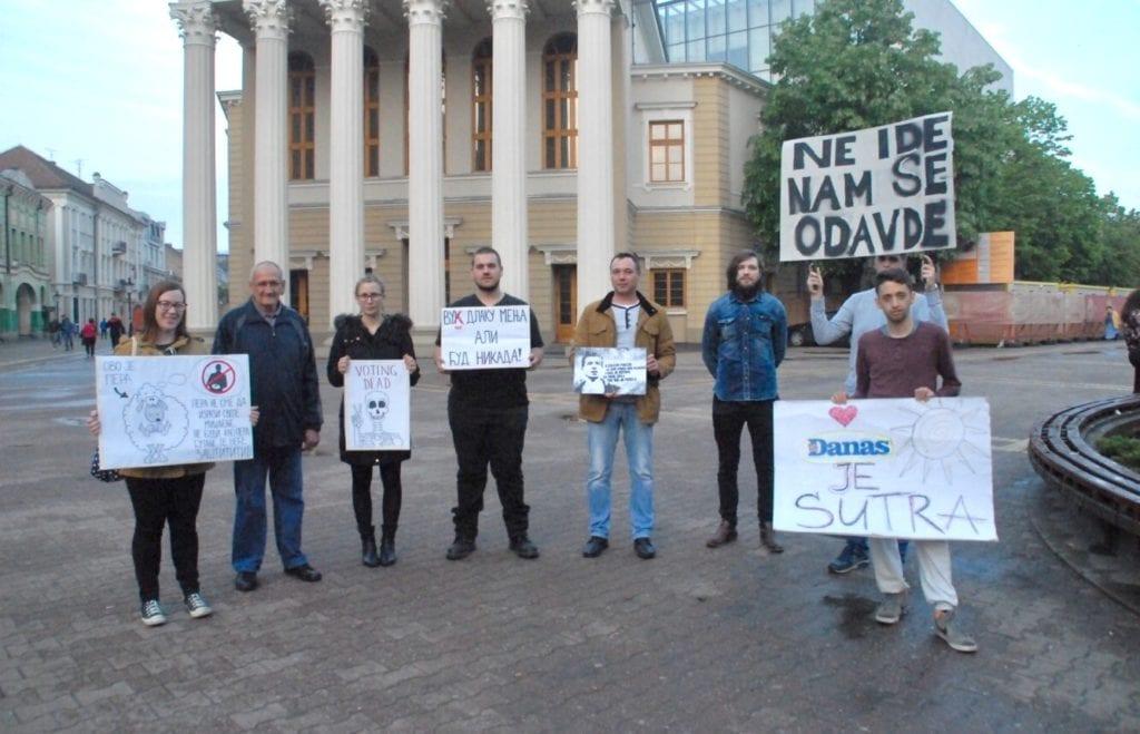 """PROTEST U SUBOTICI: BIĆEMO TU KAO NEKA VRSTA """"PIŠTALJKE"""" I UPOZORAVATI NA PROBLEME"""