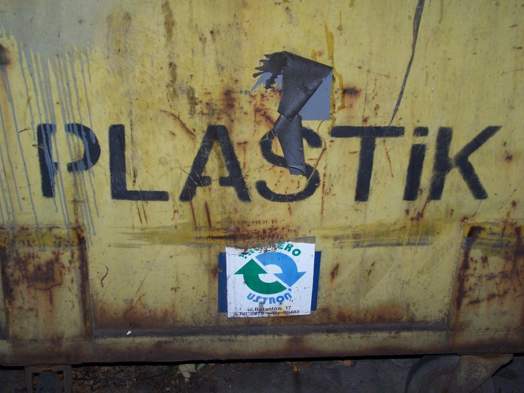 NAUČNICI SLUČAJNO OTKRILI ENZIM KOJI UNIŠTAVA PLASTIKU