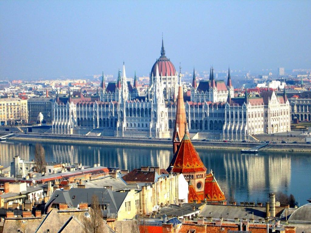 """Mađarska vlada želi da Ustavom """"cementira rod"""" svojih građana"""