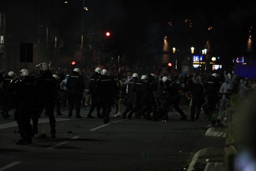 Epilog protesta: Povređena 43 policajca i 17 demonstranata