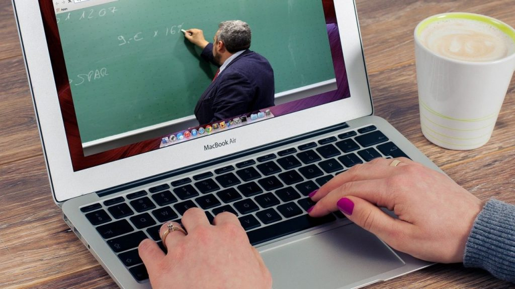 Pokrajinski zaštitnik građana: Učitelji su nezamenljiva osnova obrazovanja