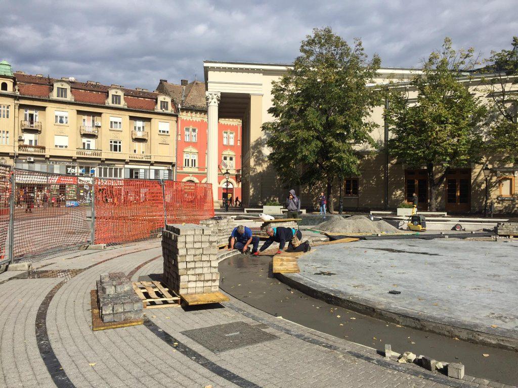 Radovi na novoj fontani i dalje u toku: Manje od obnove, više od održavanja (FOTO-GALERIJA)
