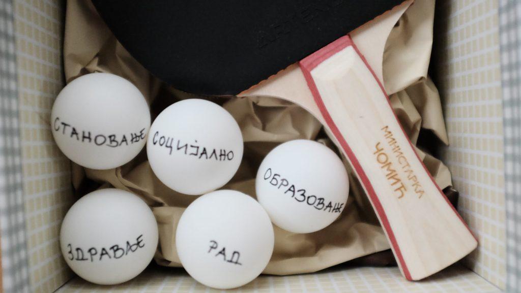 Inicijativa A 11 poklonila ministarkama Čomić i dr Kisić Tepavčević rekete za pingpong