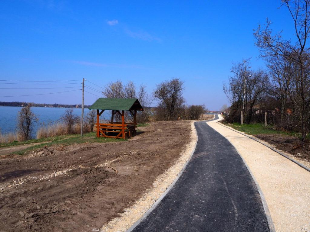 Pešačko–biciklistička staza oko jezera Palić biće završena u junu