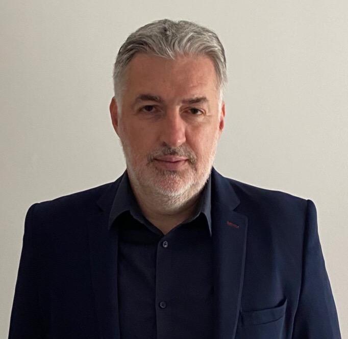 Klinički farmakolog dr Radan Stojanović za Magločistač: Građani potpuno zbunjeni da li treba da prime treću dozu i koja to vakcina da bude