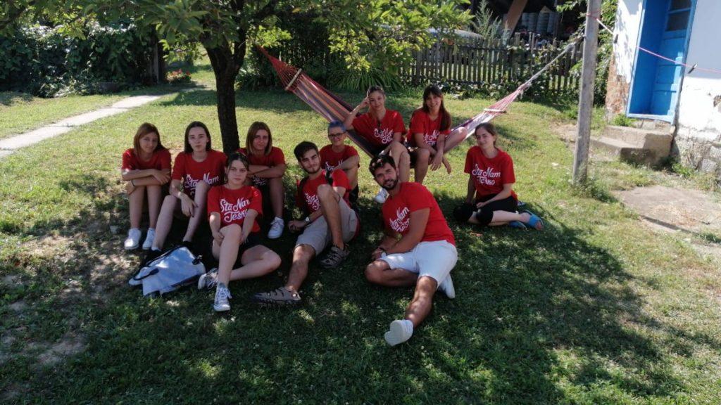 """""""Mladi istraživači Srbije"""" obeležili Međunarodni dan mladih u volonterskom kampu """"Bašta može svašta"""""""