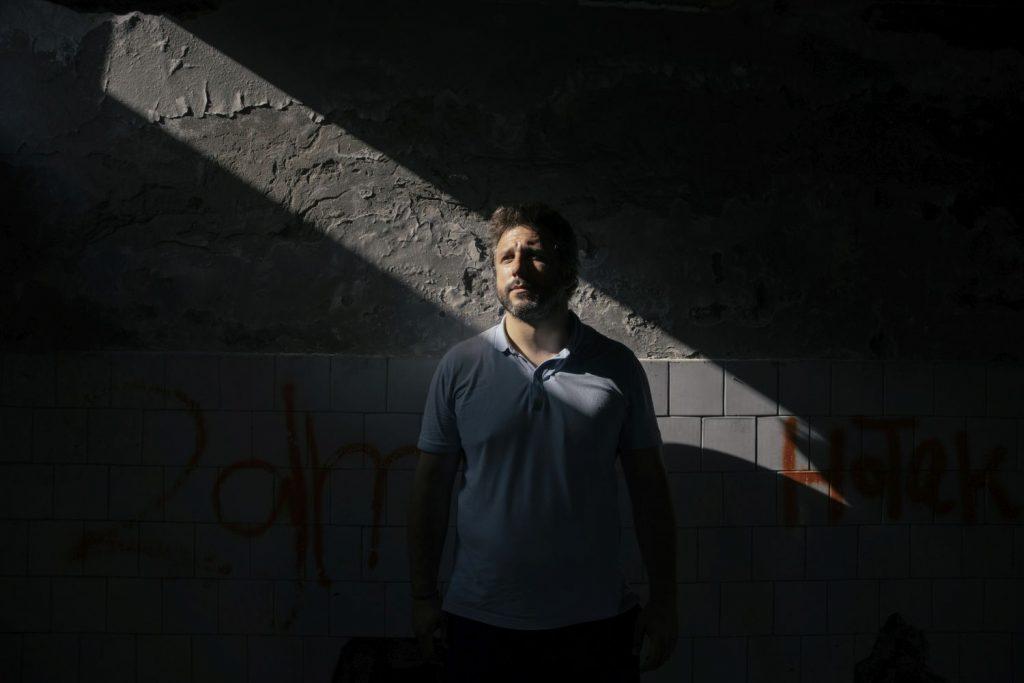 Nikola Kovačević, dobitnik nagrade UNHCR-a za pomoć izbeglicama, za Magločistač: Pušbekovi simbol da više niko ne mari za ljudsko dostojanstvo